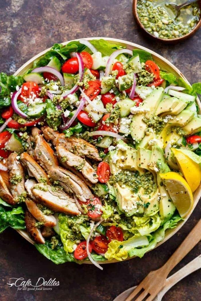 4 rezepte für schwangere leckeres gesundes abendessen hänchenfleisch mit salat vitaminreich essen