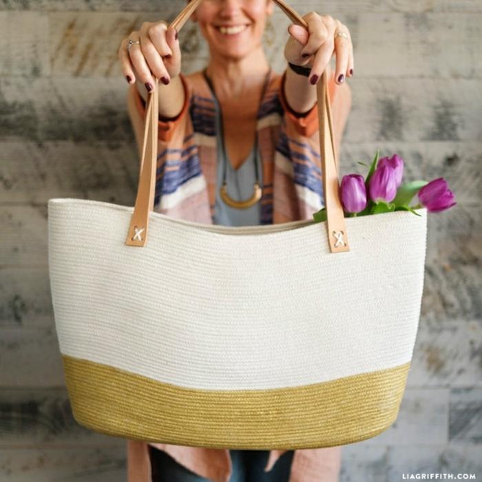 4 taschen nähen schnittmuter alttagstasche in weiß und golt sommertasche strandtasche