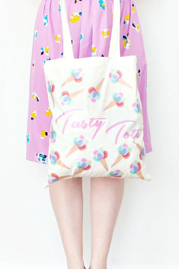 5 taschen nähen anleitung kostenlos einfaches tutorial frau mit rosa kleid beige handtasche