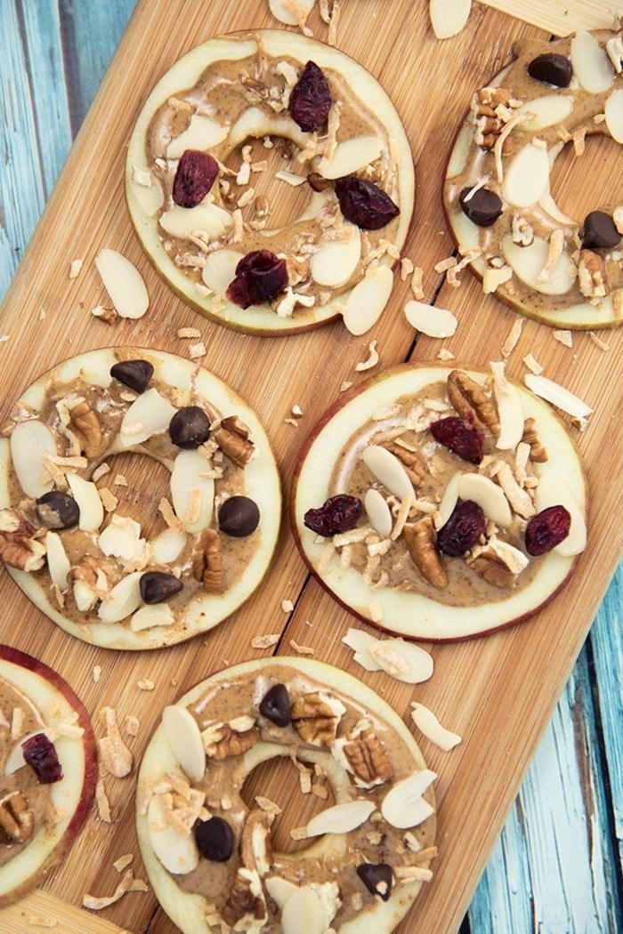 apfel und mandelmuss bisse mit rosinen snack gesunde rezepte paleo ernährung frühstück