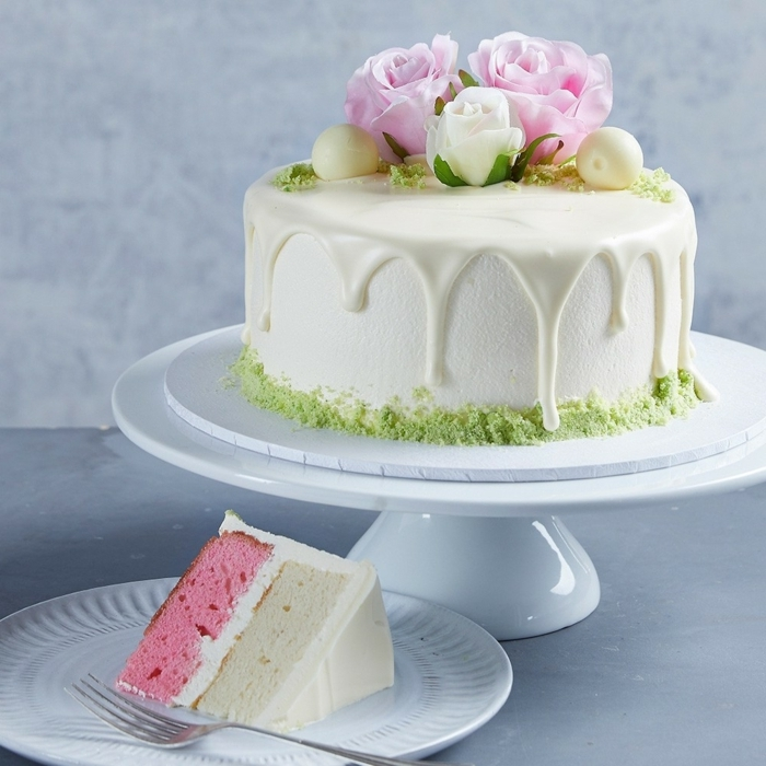cake roten rezept, tortendeko ideen, einfache deko, geburtstagstorte mit weißer schokolade