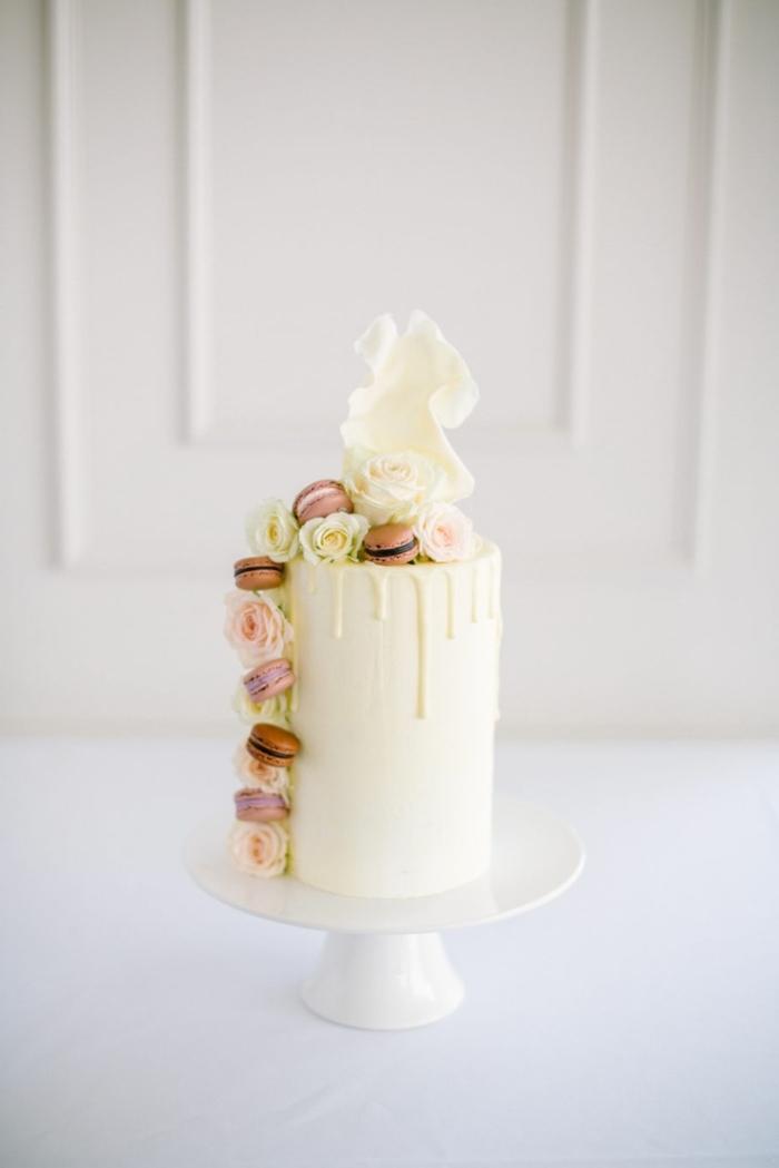 cake torten rezept, kuchen mit vanillecreme und maccarons, hochzeitstorte