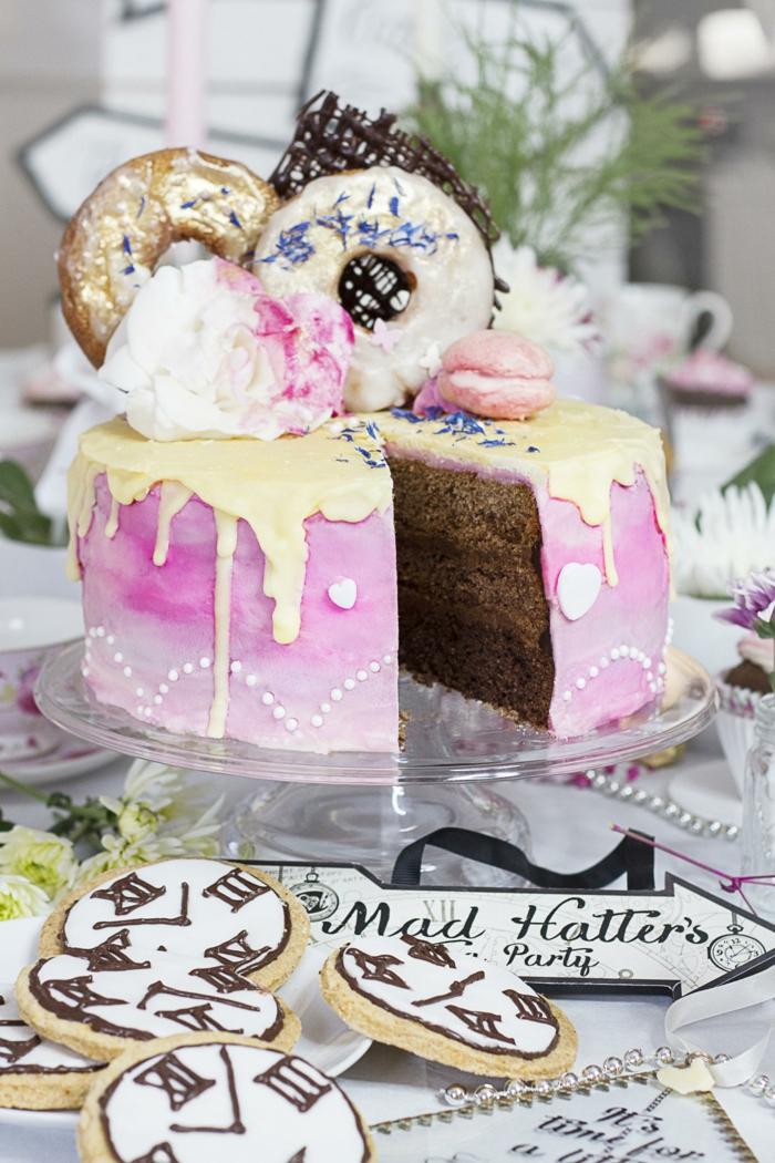 cake torten rezeot, leckere geburtstagstorte mit zimtboden und weißer schokoalde