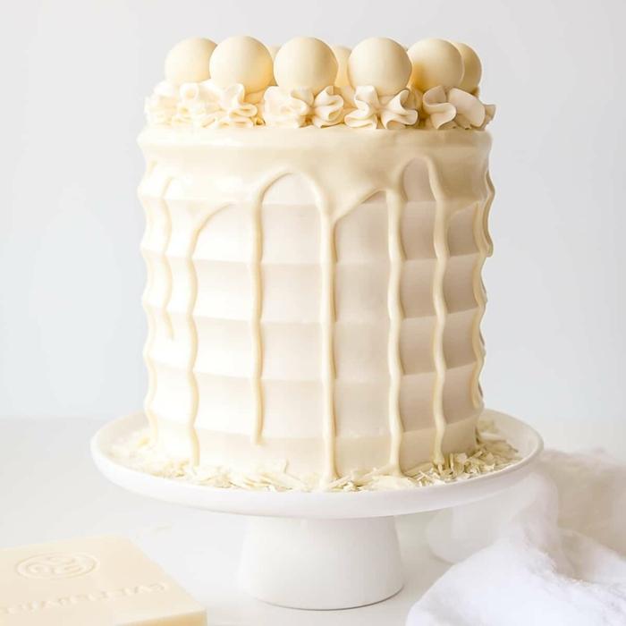 cake torten rzeept, kuchen zum geburtstag, weiße schokolade, pralinen, tortendeko ideen