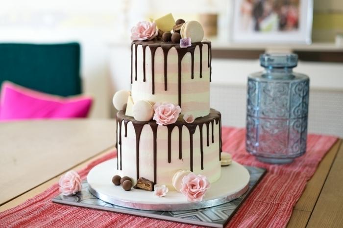 drip cake zur hochzeit, kleine hochzeitstorte, torten deko ideen, hochzeitskuchen