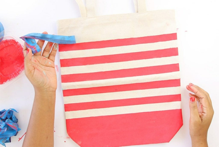 einfache tasche nähen mit innenfutter rote farbe taschendeko ideen streifen maritime deko