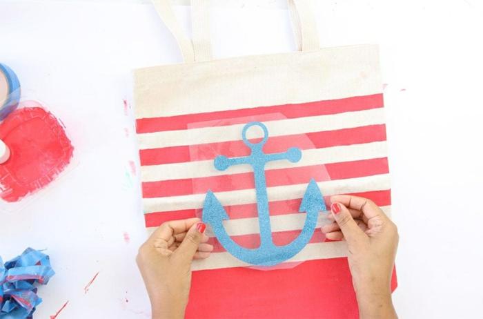 einfache tasche nähen mit innenfutter strandtasche in rot beige und blau anleitung