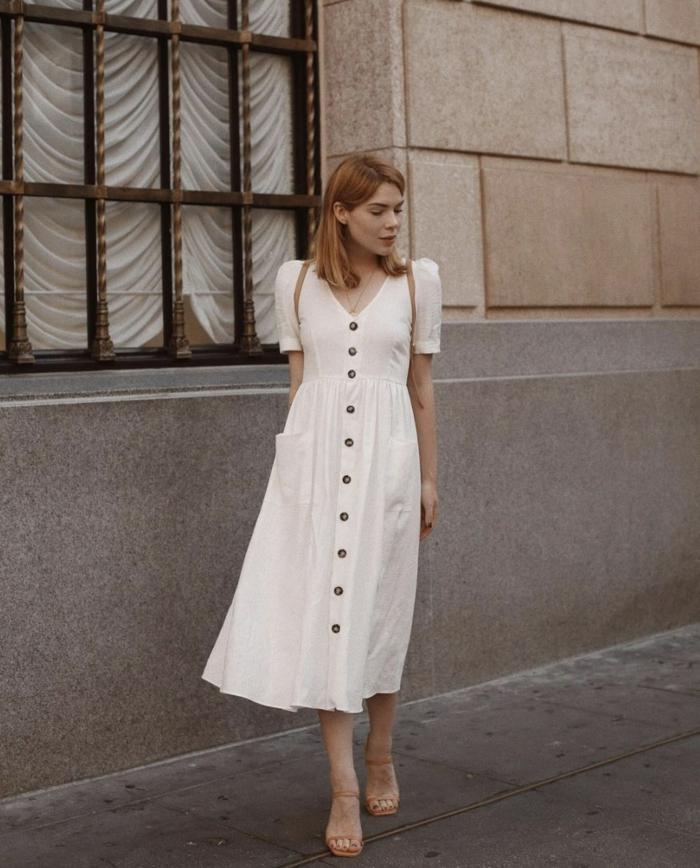elegantes weißes kleid mit knöpfen von oben bis unten damenkleider sommer dame mit kurzen blonden haaren