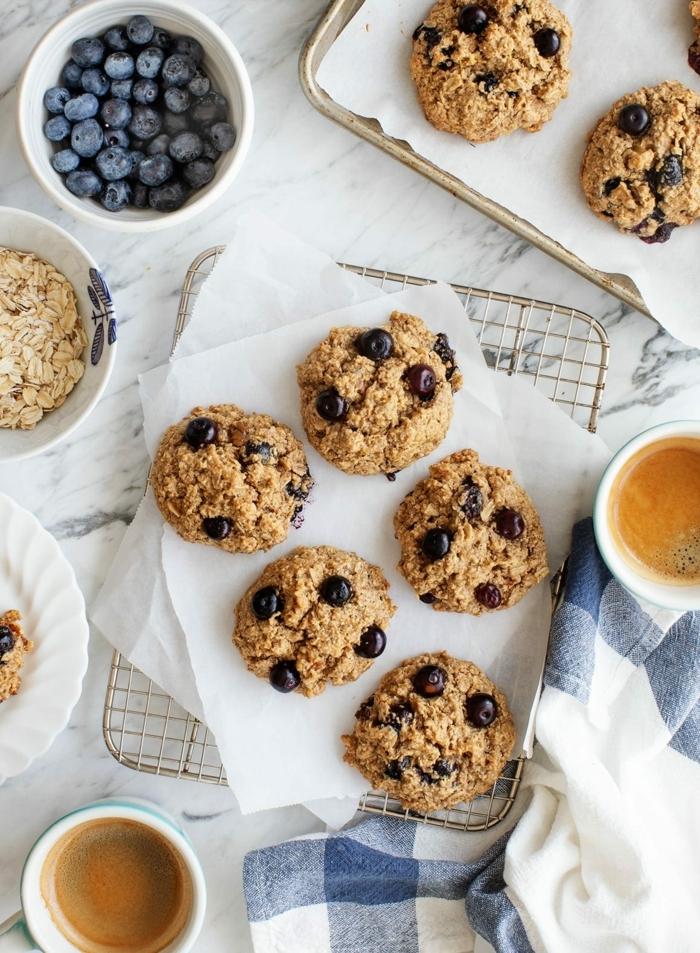 ernährungsplan für schwangere muffins mit haferflocken und blaubeeren gesunder nachtisch