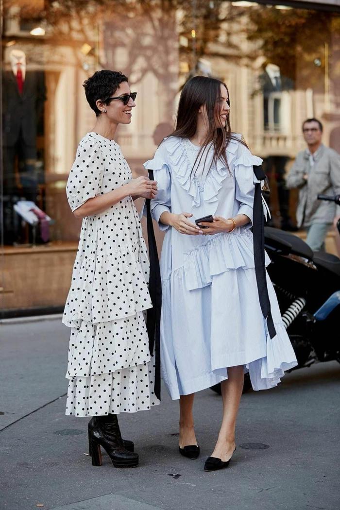 femininer street style inspiration sommerkleider lang elegant weißes kleid mit schwarzen pünktchen