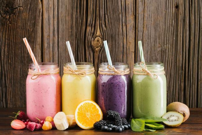 grüne smoothie rezepte verschiedenen smoothies kiwi orange erdbeere blaubeere brombeere