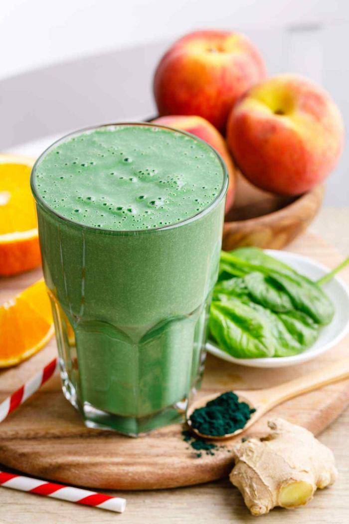 grüne smoothie rezepte zum abnehmen mit ingwer spinat spirulina pfirsiche