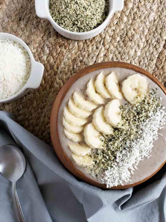 haferbrei mit bananen leinsamen und blumenkohlreis paleo ernährung frühstück