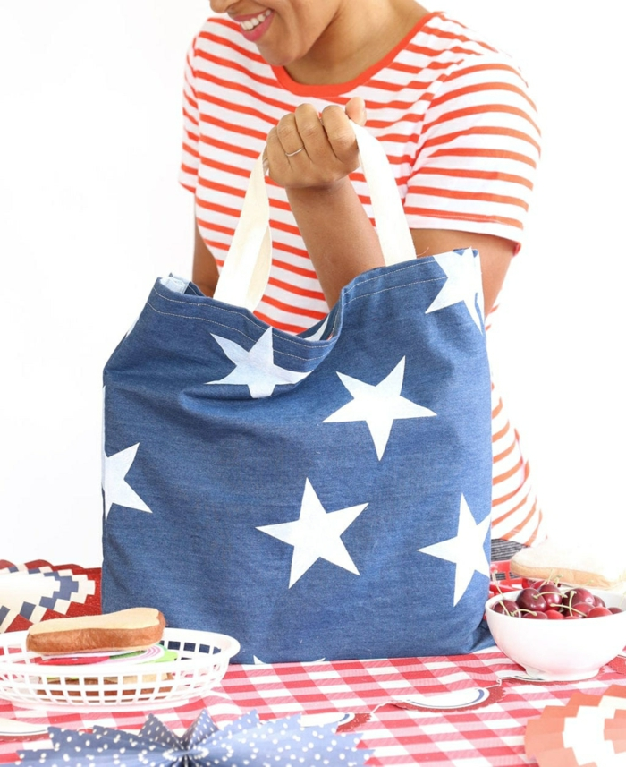 handtasche selber nähen tasche aus blauem stoff mit weißen sternen