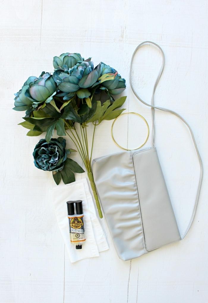 kleine tasche nähen schritt für schritt taschendeko mit blumen florale abendtasche