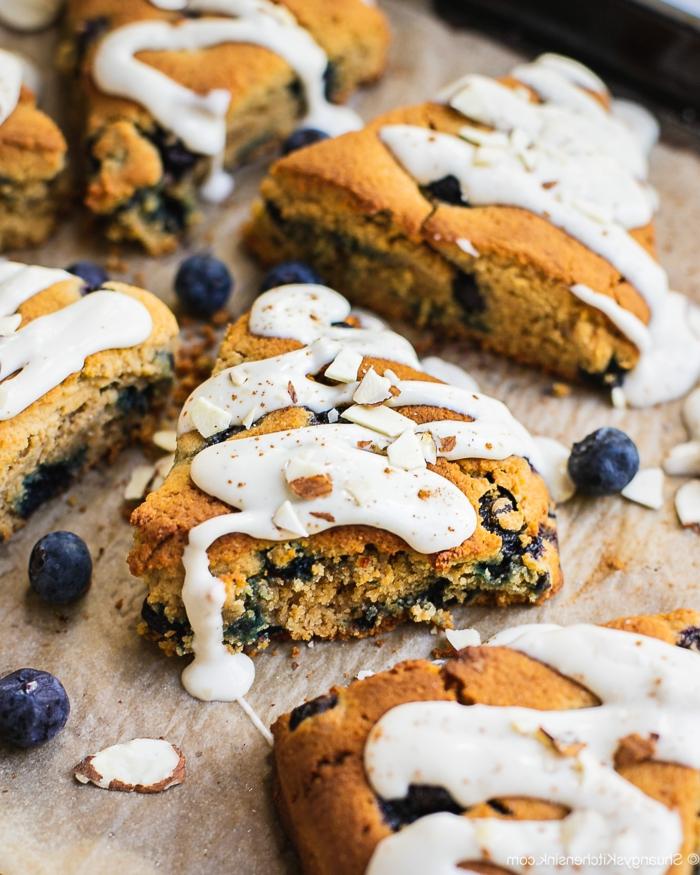 paleo ernährung frühstück gesunde blaubeer scones leckere gerichte zubereiten steinzeitdiät
