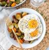 süßkartoffeln hasch mit gemüse und ei whole 30 diät was ist paleo ernährung eier