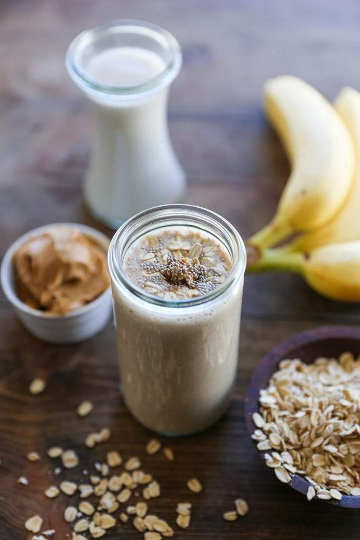 smoothie rezepte gesund vegan proteinreich bananen haferprotein smoothie gesund und lecker essen mandelmilch
