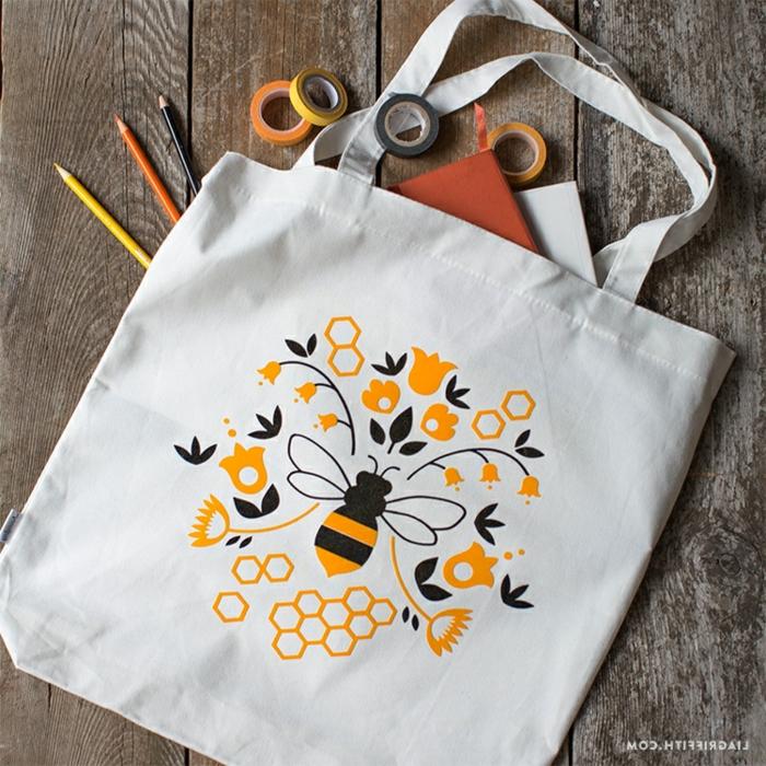 taschen nähen anleitung kostenlos taschendeko ideen biene schwarze und gelbe blüten