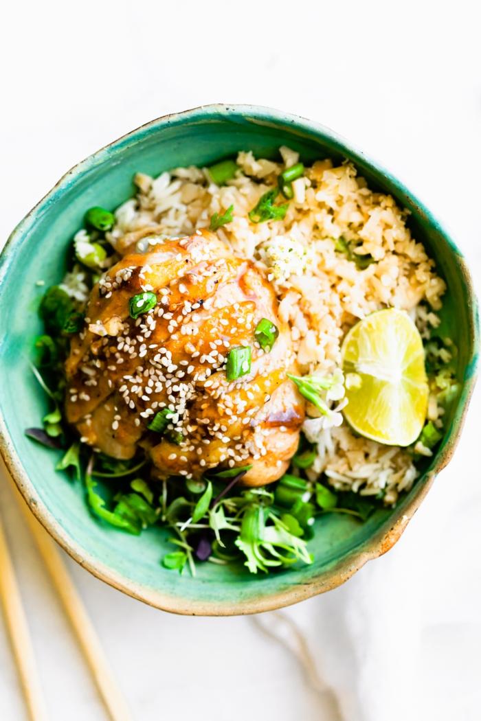 teriyaki huhn mit reis asiatisches gericht paleo lebensmittel köstliches und gesundes essen