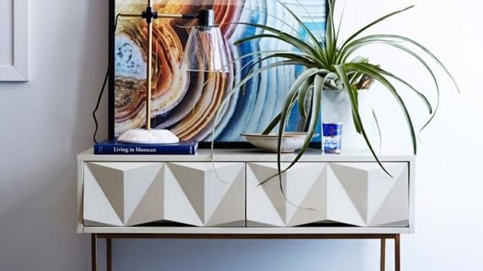 0 wandfarben ideen flur einrichten und dekorieren großes abstraktes bild weißer schrank geometrische elemente