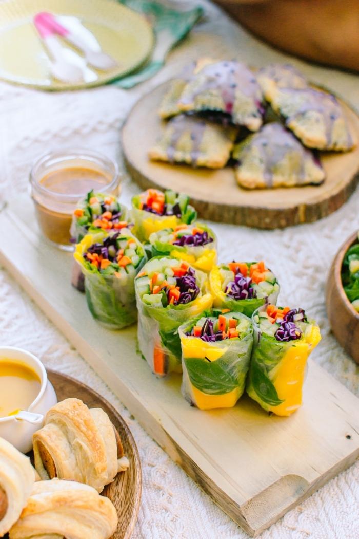 2 schnelle vegetarische gerichte für gäste frühlingsrollen mit gemüse mango und basilikum einfache zubereitung