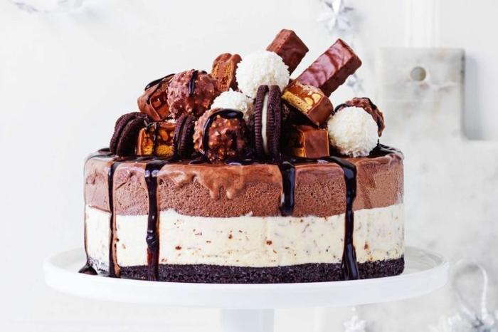 5 kochen für gäste leckere torte mit eriscreme und süßigkeiten nachtishc ideen leckere sommer rezepte schokokuchen