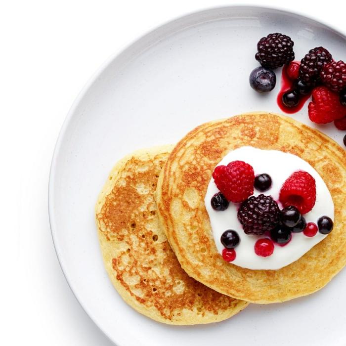5 pfannkuchen rezept 2 personen brunch ideen pfannkuchenteig mit vanille sauerrahm beeren