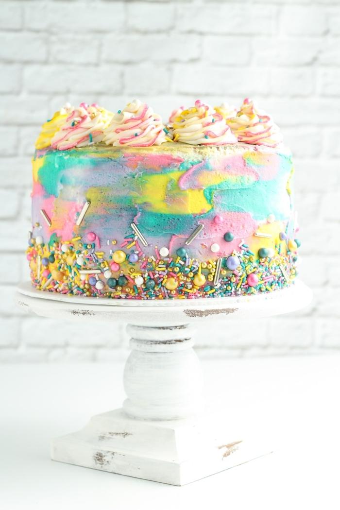 6 schnelle kuchen für kindergeburtstag geburtstagskuchen dekorieren farbenfrohe tortendeko torte regenbogen