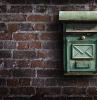 ein grüner briefkasten designerbriefkästen