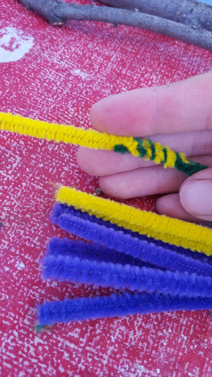 eine hand und draht eine diy anleitung für selbstgemachte herzförmige seifenblasenstäbchen diy anleitung basteln mut kindern