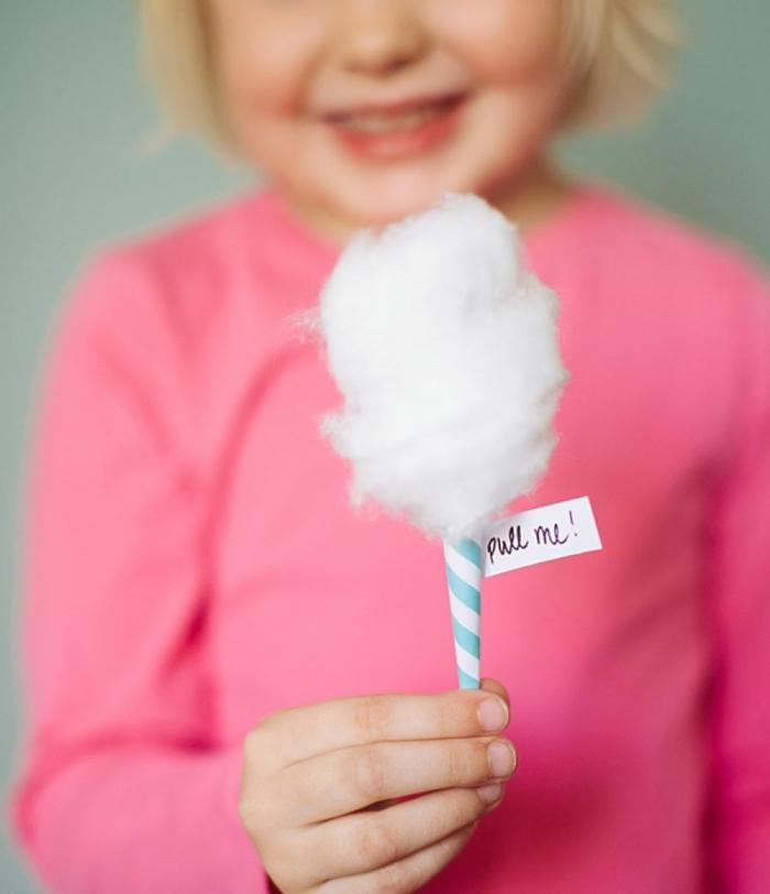 einladungskarten kindergeburtstag selber basteln kleine zuckerwatte einladungen diy mit schritt für schritt anleitungen