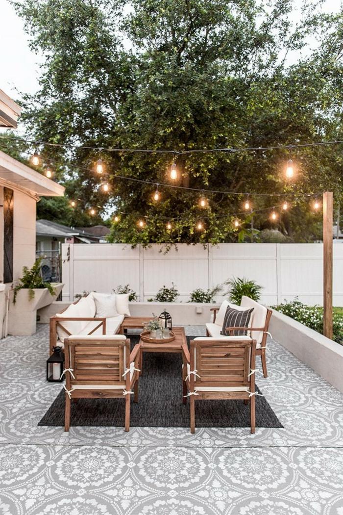 einzigartige design ideen moderne gartengestaltung sichtschutz beispiele weißer zaun moderne gartenmöbel dekoration mit leuchten