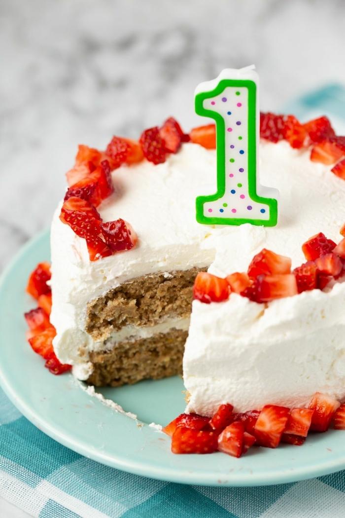 erdbeer sahne torte kuchen kindergeburtstag 1 jahr kuchen erster geburtstag leckere rezepte zum backen