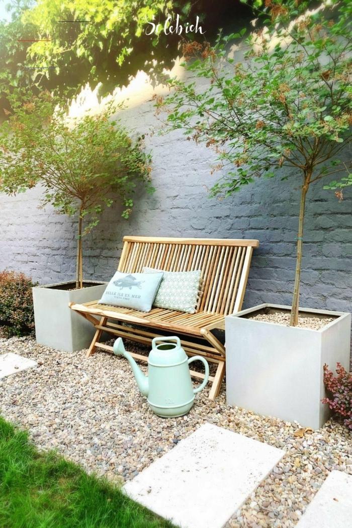 gartengestaltung beispiele und bilder deko ideen mit steinen im garten kleine holzbank dekorative bäume