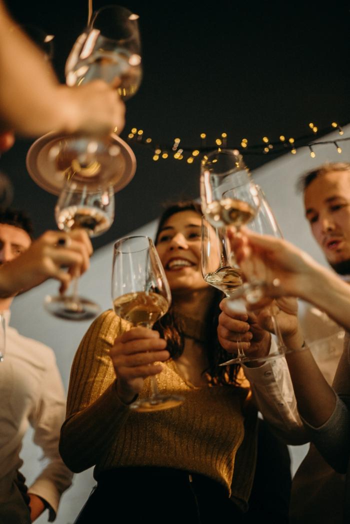 gartenparty planen garten party sommerfest im freien organisieren gemainsam feiern