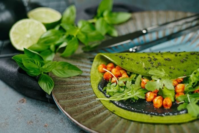 grüne pfannkuchen mit kichererbsen spinat reismilch und rukola einfaches rezept