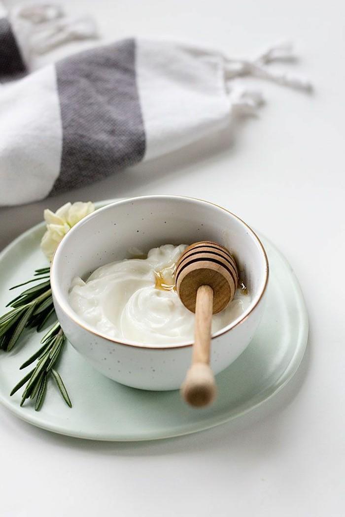 haarkur mit ei und joghurt zuhause selber machen at home spa nahrhafte haarmaske selber machen