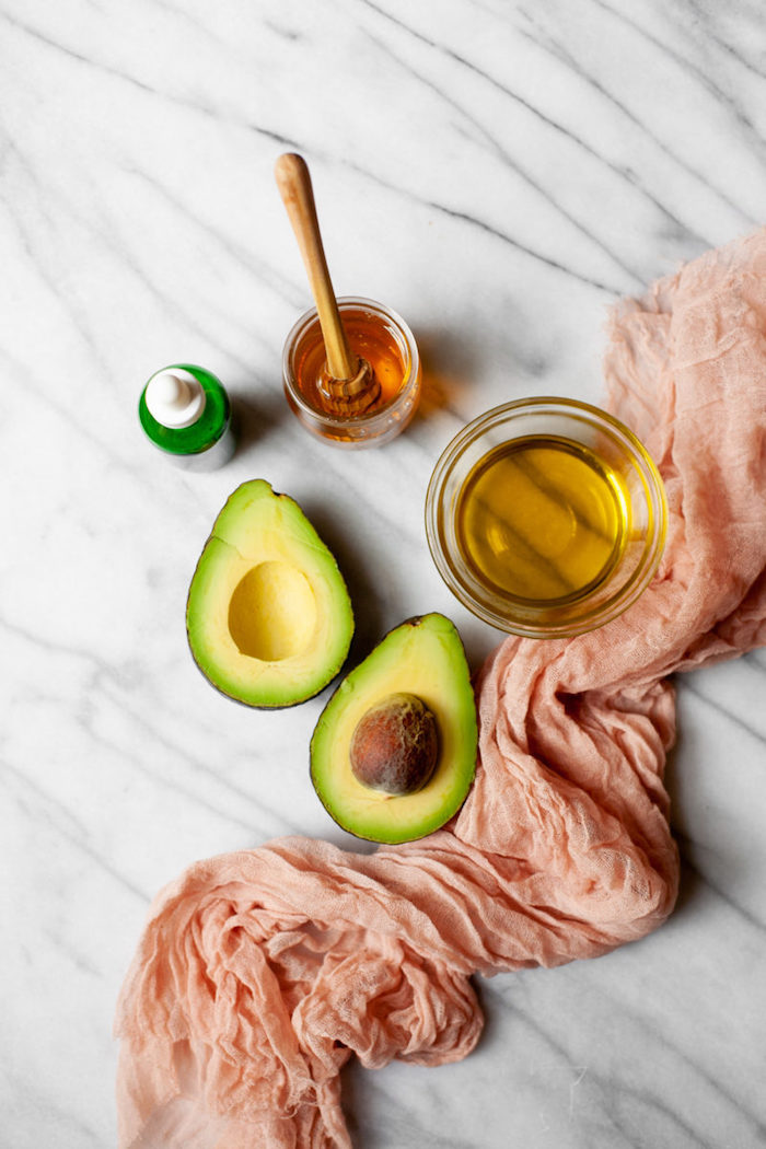 haarmaske diy zutaten avocado und honig haarkur selber machen trockene haare gesunde rezepte für die haare