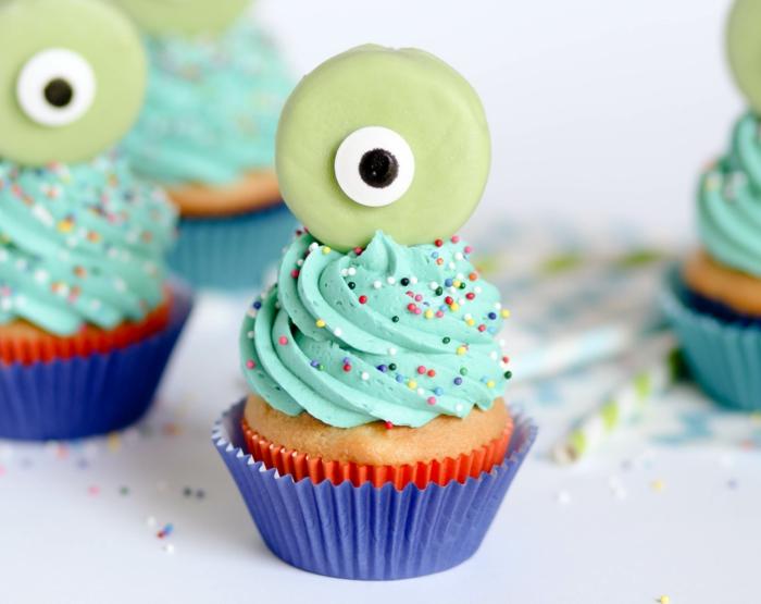 kinder muffins grüne monster mit einem auge süße cupcakes rezepte zum backen leckere rezepte