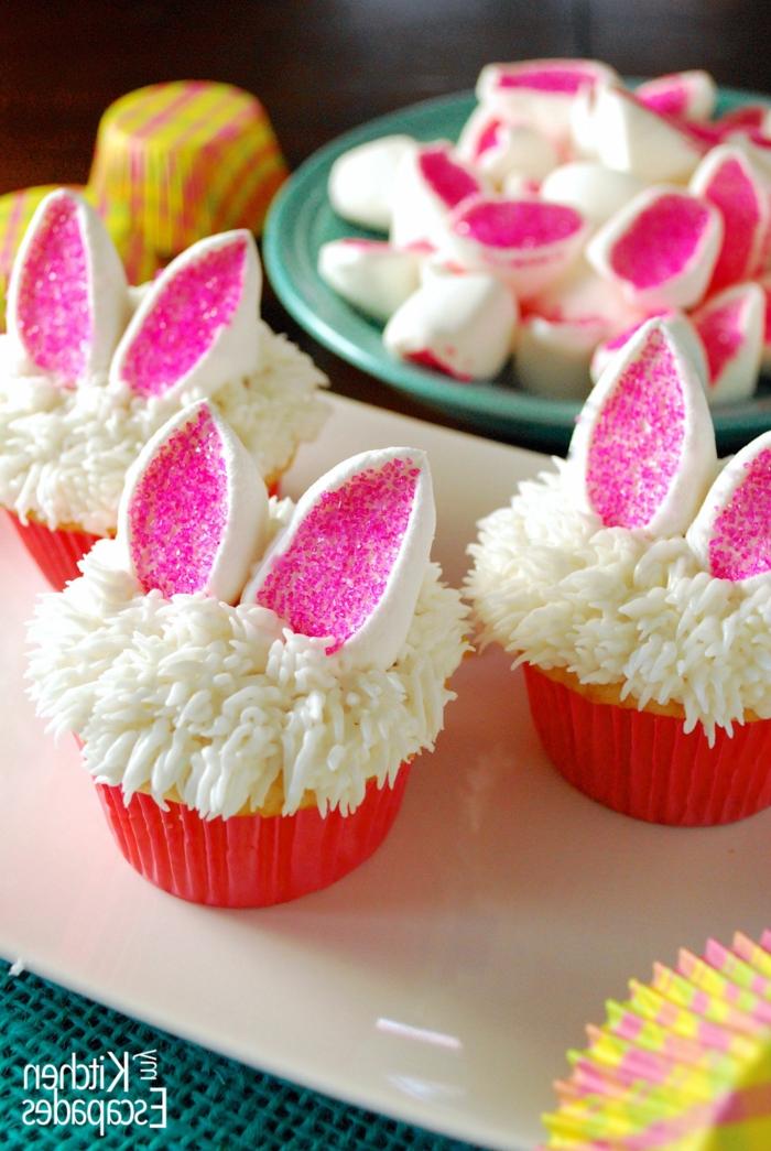 kinder muffins weiße hasen mit pinken ohren lustige muffins für kindergeburtstag backen originelle ideen