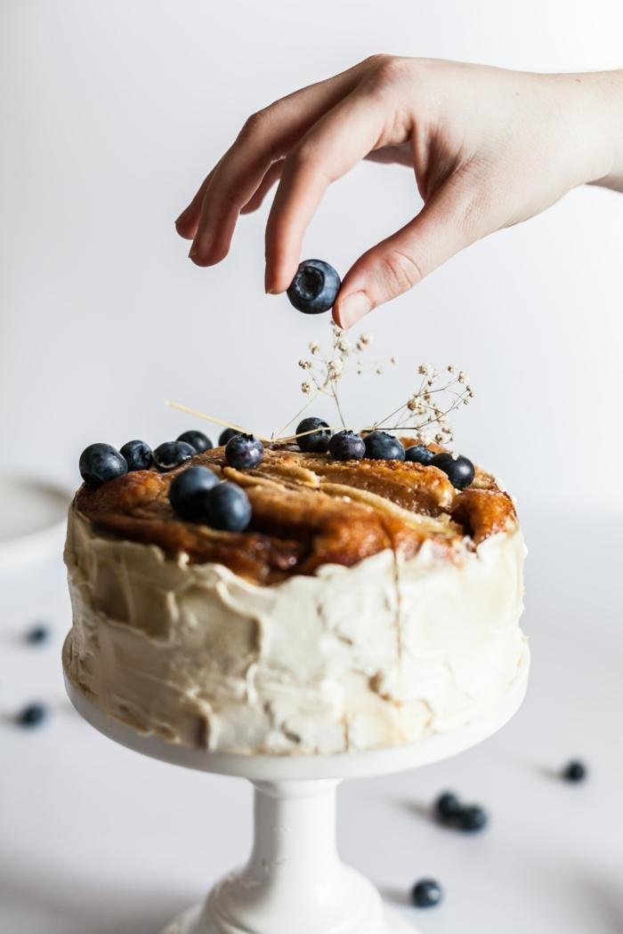 kuchen rezepte einfach und schnell mit wenig zutaten mit sahne und blaubeeren