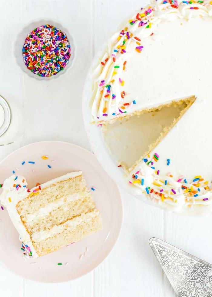 kuchen rezepte neuheiten kuchen ohne ei backen vanillekuchen mit bunten zuckerstreuseln nur 6 zutaten