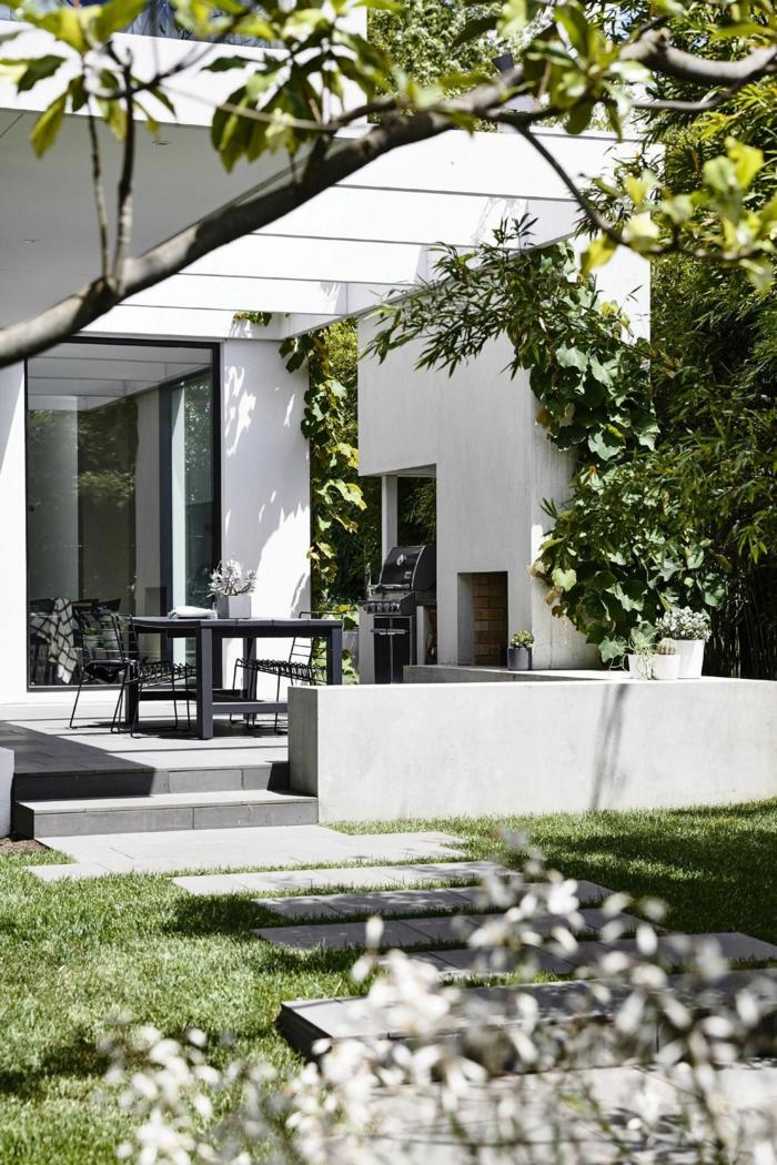 luxuriöse und schöne gärten bilder inspiration moderne gartengestaltung schwarze gartenmöbel