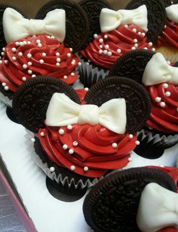 minnie mouse kindergeburtstag muffins backen originelle backideen lustige cupcackes ideen oreo kekse