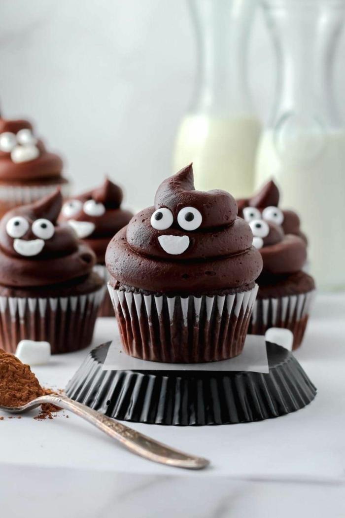 muffins für kindergeburtstag kacke emoji cupcackes mit schokolade leckere desserts backen mit rezept
