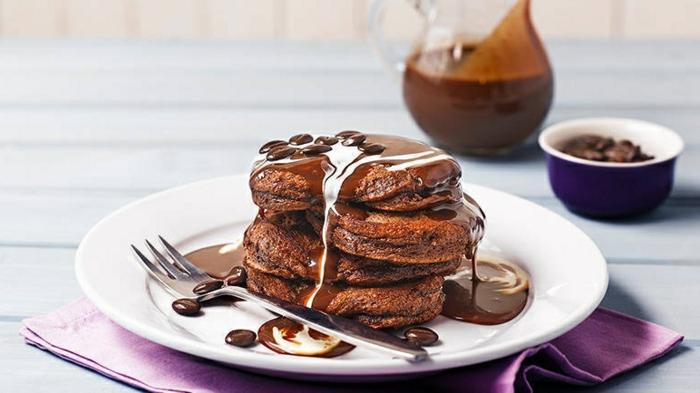 pfannkuchen einfaches rezept eierkuchen mit schokoalde schnelles frühstück rezept