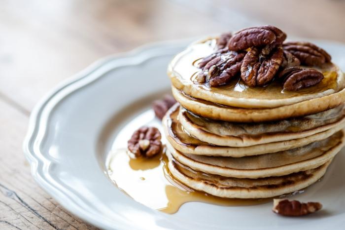 rezept für eier pfannkuchen mit pekannüssen brunch ideen einfach und schnell rezept für eier pfannkuchen