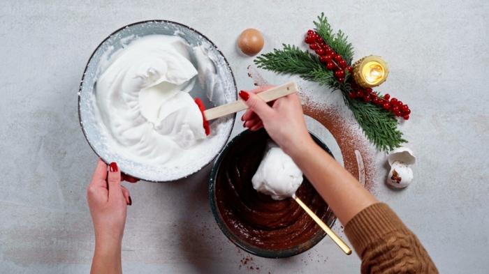 schnelle backrezepte zu weihnachten gesunde buche de noel eier schlagen geschlagene weiße nachtisch rezept