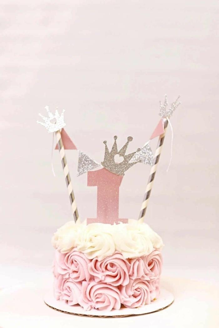 schnelle kuchen für kindergeburtstag torten dekorieren rosa kreme kleine torte zum ersten geburtstag